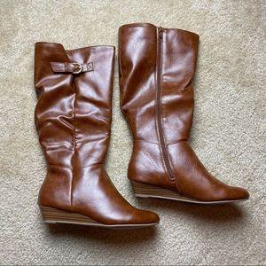 SO Cognac Shibainu Zip Up Boots Size 8 NIB